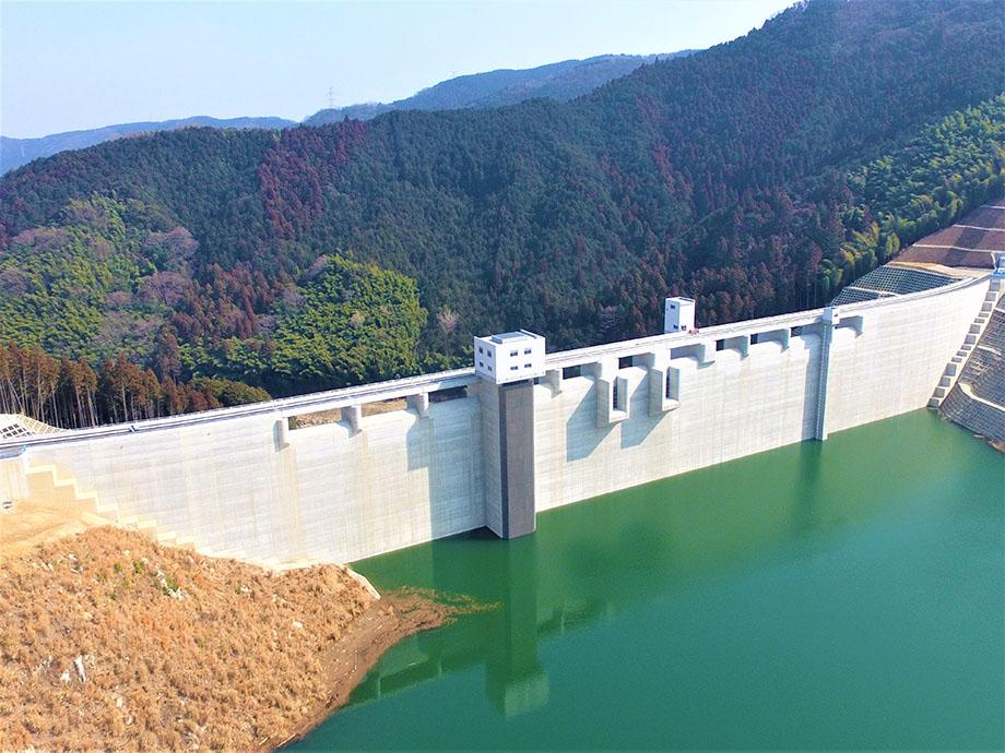 伊良原ダム管理棟様1